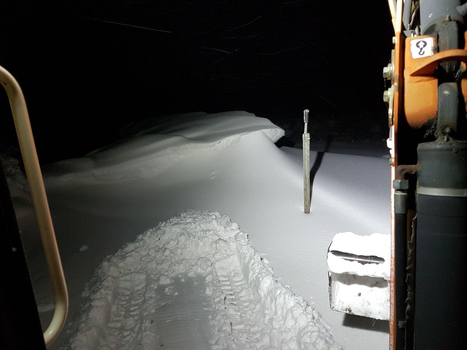 Schneeverwehungen bis 2,50 Meter Höhe